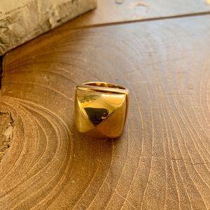 🦋3/$40 BCBGMaxazria fashion ring